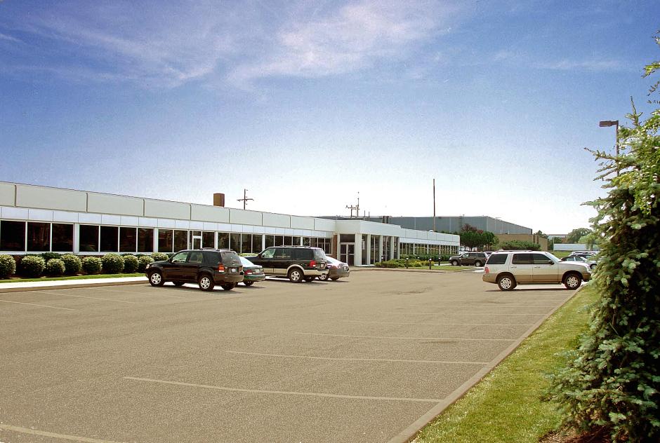 Solon Multi-Tenant Center - Solon, Ohio