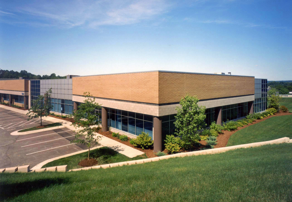 7555 E. Pleasant Valley Road - Independence, Ohio